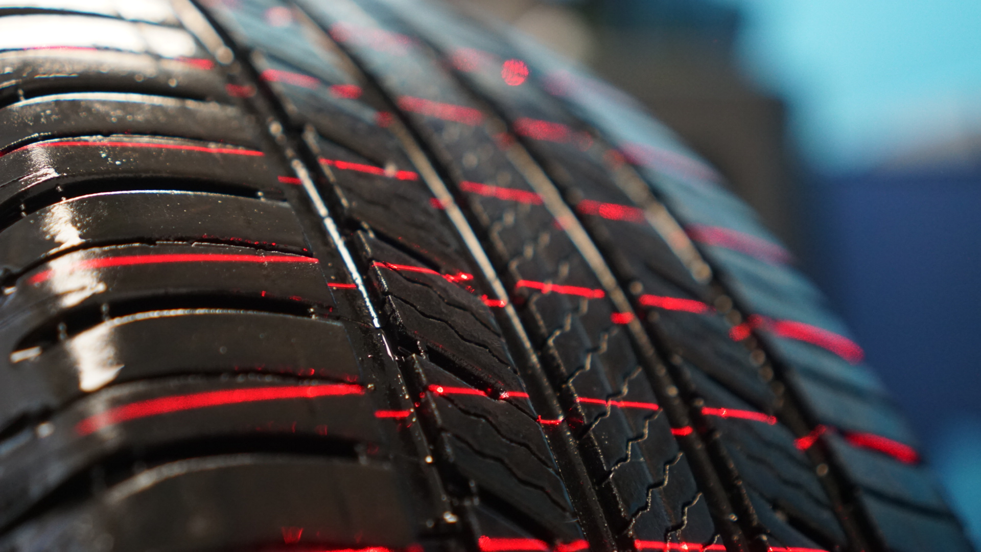 Multi-line laser projection for 3D based Tire inspection