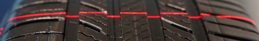 Tire inspection using laser line generator for 3D profiling of tire threads for quality control and dimensional analysis